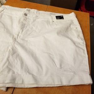 NWT a.n.a. Distressed Jean Shorts
